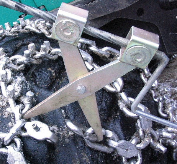 Tyre Chain Tensioner