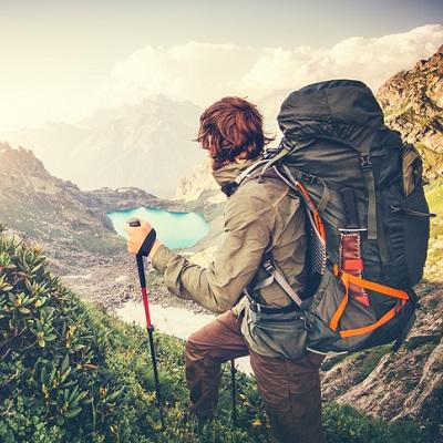 checkliste-wanderurlaub-wandern-in-den-bergen